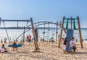 JAMIL-Beach-Feature-1